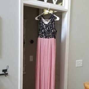 Pinkblush Maternity pleated lace pink black dress